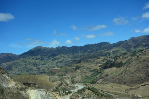 bus ride from Banos to Cuenca