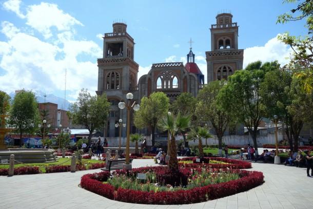 Peru - Plaza de Armas, Huaraz