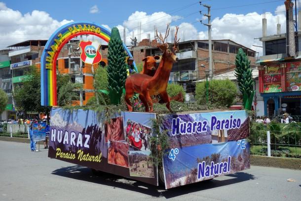 Peru - Parade in Huaraz