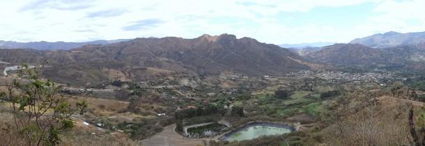 Vilcabamba - erster Izhcayluma trail, view on Vilcabamba