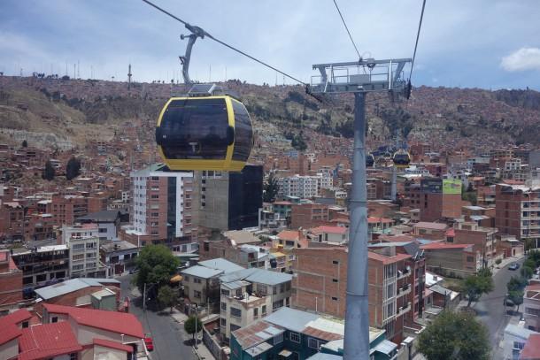 Bolivia - La Paz - Riding the Teleferiqo, yellow line, up to El Alto