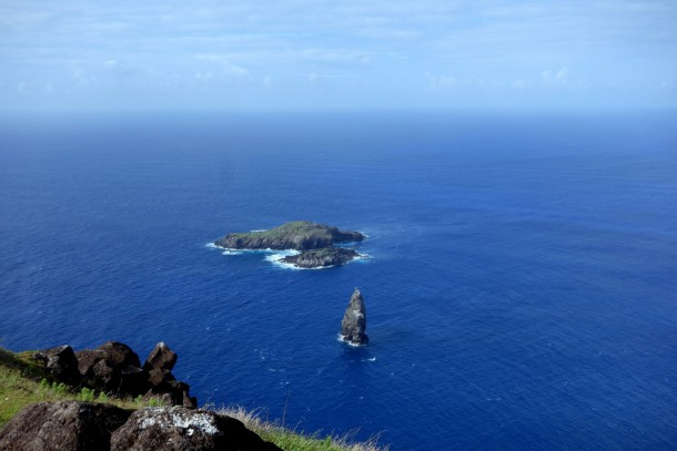 Chile - Easter Island, Motus Kau Kau, Iti and Nui off Southern Cape, View from Orongo